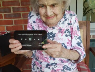 Gwen 'shows' you're never too old to embrace new technology