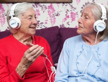 Music for Dementia launches Christmas playlist guides