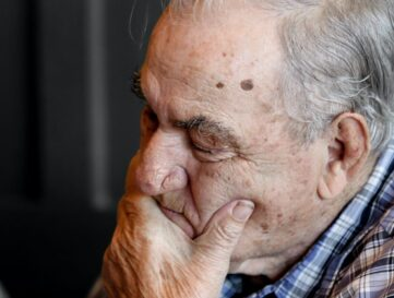 Put people with dementia at the heart of lockdown solution, says Alzheimer's Society