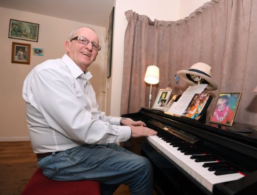 Grandad living with Alzheimer's creates playlist to keep life's memories alive