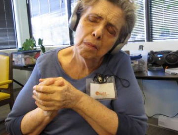 Music may improve mood in adults with dementia