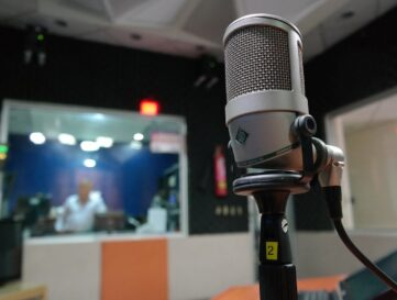 AI-based radio broadcasts could help people living with dementia